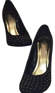 Forever 21 Black with GHW polkadot studs Pumps