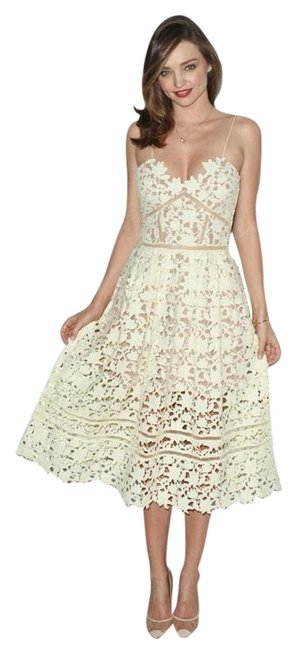 Item - Yellow Azaelea Guipure Lace Illusion Mid-length Cocktail Dress Size 0 (XS)