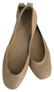 Hollywould Beige Flats