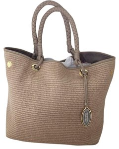 Elie Tahari Tote in Tan