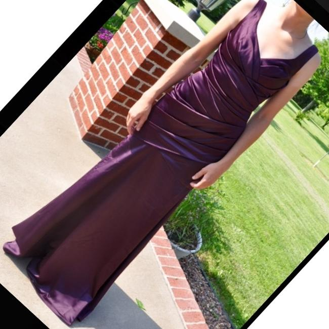 Item - Plum Sexy Bridesmaid/Mob Dress Size 0 (XS)