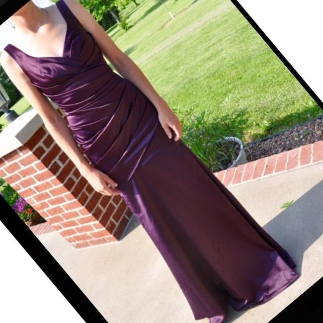 Item - Plum Satin Sexy Bridesmaid/Mob Dress Size 2 (XS)
