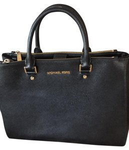 Michael Kors Modern Elegant Leather Satchel in BLack
