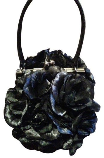 Preload https://item5.tradesy.com/images/roses-evening-black-synthetic-clutch-1693809-0-0.jpg?width=440&height=440