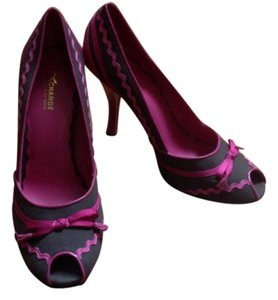 Charles David Orchid & Dark brown Pumps