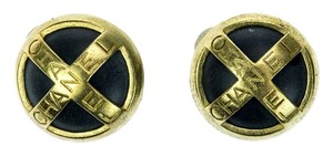 Chanel Chanel Vintage Round Clip On Earrings