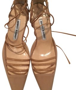 Manolo Blahnik Beige, Tan Pumps