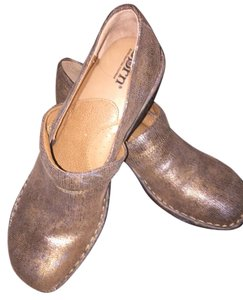 Brn Metallic bronze Mules
