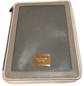 Michael Kors Ipad Book Saffiano