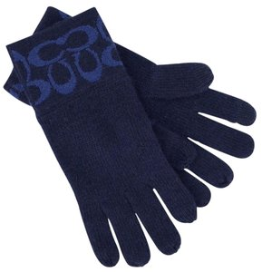 Coach Coach Signature Logo Knit Glove with Fingertip TECH F86026 New with tag.