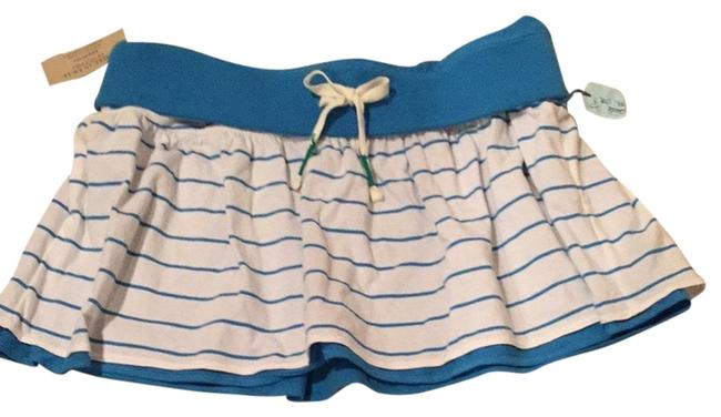 Preload https://item3.tradesy.com/images/american-eagle-outfitters-whiteblue-reversible-skirt-cover-upsarong-size-8-m-1694477-0-0.jpg?width=400&height=650