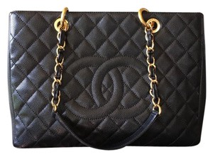 Chanel Discountinued Caviar Leather Gst Shoulder Bag