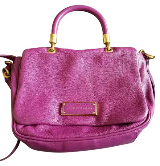 Preload https://img-static.tradesy.com/item/16945660/marc-jacobs-leather-purple-cross-body-bag-0-1-540-540.jpg