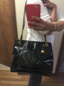 Chanel Patent Leather Logo Chain Shoulder Bag
