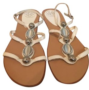 BCBGMAXAZRIA Silver Cute Summer Fashion white Sandals