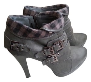 Anne Michelle Cuffs Buckles Gray Boots