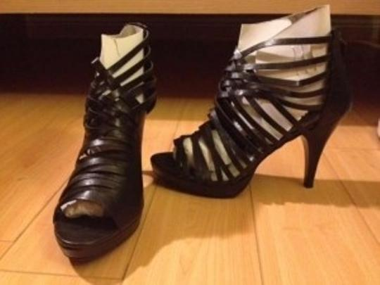 Bamboo Trading Company New Never Worn Heels Tillys Gladiator Strappy black Pumps