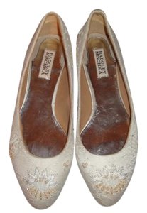 Badgley Mischka Off White Lace/Beaded Flats