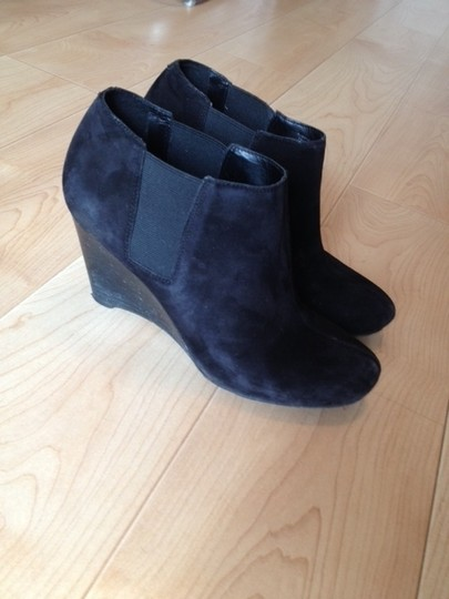 BCBGMAXAZRIA Ankle Ankle Black Suede Boots