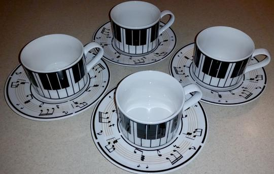 Preload https://item2.tradesy.com/images/lynns-stoneware-4-piece-maestro-music-cup-and-saucer-1695821-0-0.jpg?width=440&height=440