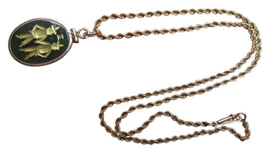 Other Jade pendant with gold engraving and gold twisted chain