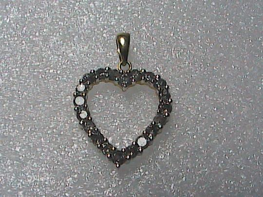 Unknown 10k Solid Yellow Gold .25 cts Heart Diamond Pendant (#2)