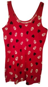 No Boundaries Top Red w/white skulls & black hearts