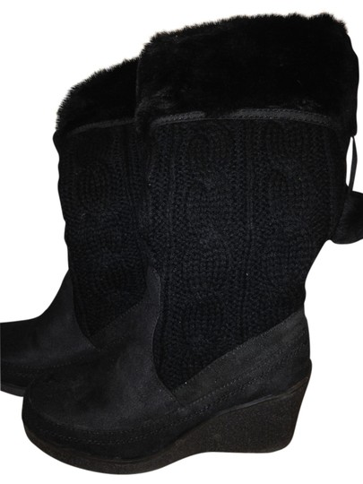 Preload https://item5.tradesy.com/images/american-eagle-black-boots-1696734-0-0.jpg?width=440&height=440