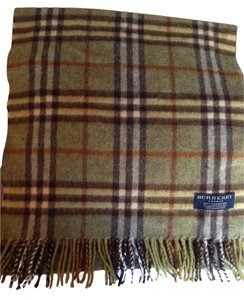 Burberry Iconic Burberry Cashmere Scarf
