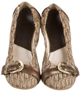 Dior Monogram Round Toe Brown, Beige Flats