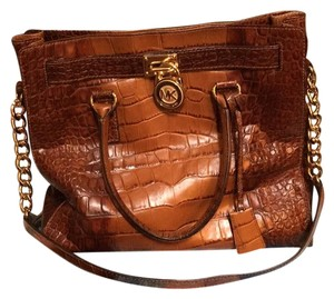 MICHAEL Michael Kors Satchel in Brown/ Tan