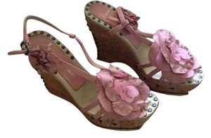 Donald J. Pliner Leather Stud Detail Flora Lisa Pink Wedges