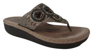 Clarks Artisan Latin Circle Thong Slide On Leather Bronze Sandals