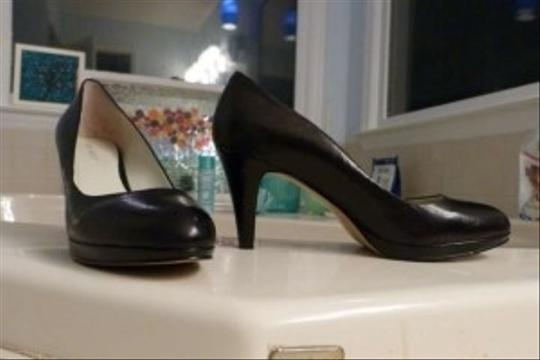 Nine West Classic Comfortable Black Leather Pumps