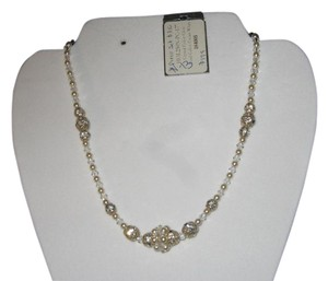 "Giavan Giavan HOL250N - 17"" ( n-13) Crystal & Pearl Bridal Necklace with Center Cluster"