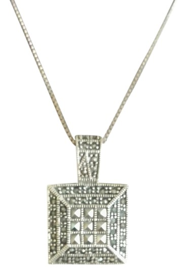 Preload https://item4.tradesy.com/images/silvermarcasite-necklace-1697898-0-0.jpg?width=440&height=440