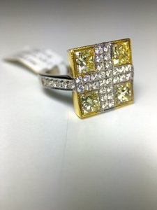 White And Natural Yellow Diamond Statement Cocktail Ring 18k White And Yellow Gold