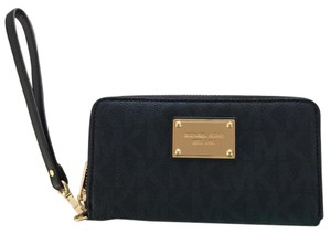 Michael Kors Wristlet in Baltic Blue