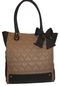 Betsey Johnson Refurbished X-lg Tote in Tan and Black