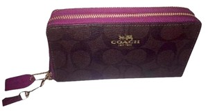 Coach Brand New DOUBLE ZIP PHONE WALLET IN SIGNATURE COACH F53937