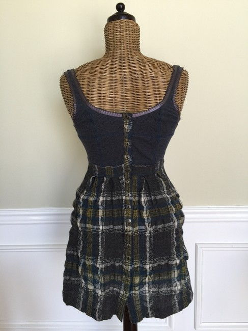 Preload https://item2.tradesy.com/images/free-people-charcoal-break-plaid-short-casual-dress-size-6-s-1698371-0-0.jpg?width=400&height=650