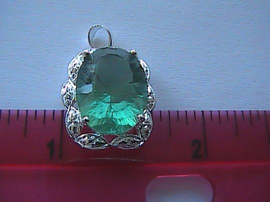 Unknown 925 Sterling Silver 9.0 Carats Green Flouride Pendant (#2 item)