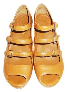 Johnston & Murphy tan Wedges