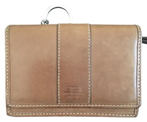 Coach Small Wallet In light brown leather with key chain