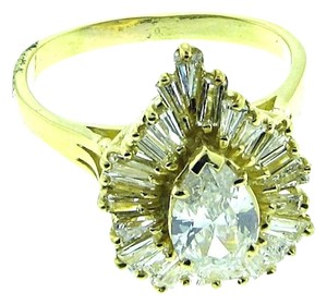 BELOW WHOLESALE - 18k Gold & 2.30 carats Diamond Ballerina ring