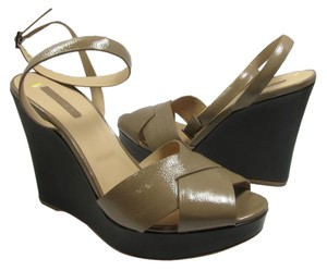 Longchamp Patent Leather Wedge Beige Wedges