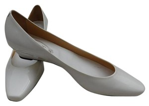 Tod's White Pumps