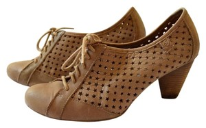 Sixtyseven Stacked Heel Oxford Lace-up Taupe Pumps