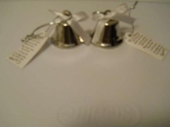 Preload https://item2.tradesy.com/images/silver-bells-for-guests-169951-0-0.jpg?width=440&height=440