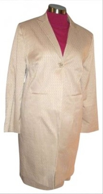 Preload https://img-static.tradesy.com/item/169974/larry-levine-24w-beige-career-stretch-lined-skirt-suit-size-24-plus-2x-0-0-650-650.jpg
